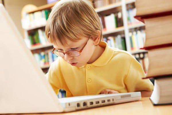 Ребенок не должен проводить больше часа в день за компьютерными играми